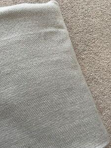 Kelly Hoppen Chevron Print Bedspread / Throw - 155 x 200cm - new