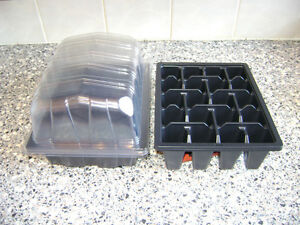 20 HALF SIZE SEED TRAYS & 20 CLEAR PROPAGATOR TOPS & 20 X 20 CELL TRAYS