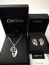 Ortak Pendant With Matching Earrings
