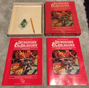 Dungeons & Dragons BASIC RULES Box Set TSR 1011 1983 2 Books Dice & Pencil VG
