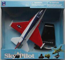 NEW RAY 1:72 SKY PILOT AEREO GIA' MONTATO CON SUPPORTO F 16 F. FALCON  ART 21213
