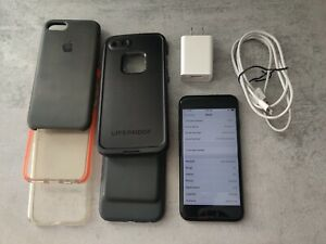 Apple iPhone 7 256GB - Jet Black (Unlocked) (CDMA + GSM)