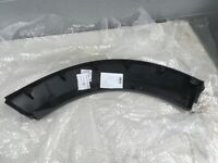 Band New RL3, LR4 Dicovery 3, 4 Rear Wheel Arch Moulding Primed LR010630