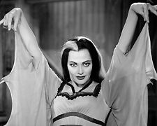 Yvonne De Carlo Unsigned 8x10 Photo (10)