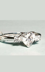 9CT WHITE GOLD 3 STONE CUBIC ZIRCONIA HEART RING Sizes available M,N,P