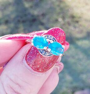 10K Yellow Gold Neon Apatite & BLUE Diamond Ring, Size 8/ Anillo de Oro