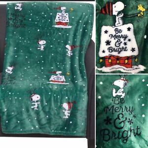 Peanuts Berkshire Christmas Snoopy VelvetSoft Throw Blanket Green Merry Bright