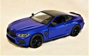 Kinsmart - 1:3 8 Maquette BMW M8 Compétition Coupe Bleu (BBKT5425DBL)