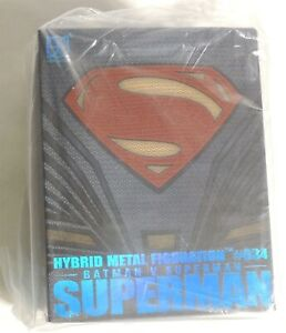 ESAR1222. SUPERMAN #034 Batman v. Superman Hybrid Metal Figuration Herocross