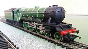 Hornby OO gauge LNER Class A1 4-6-2 4471 Flying Scotsman Green, corridor tender