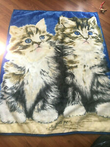 NEW Boutique Collection Safdie 48in * 60in Fun Fur Kitty Throw/Blanket In Blue