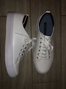 Tommy Hilfiger Casual Comfort Shoes, Women's Size 9.5M, White NEW