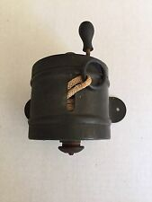 ANTIQUE DUSTLESS ATWATER EVER READY CLOTHES LINE HOLDER REEL