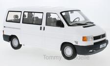 VW Bus T4 Caravelle weiss 1992 - 1:18 KK Scale