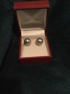 Tahitian Pearl Stud Earrings 11 mm Mint Gray 14kt