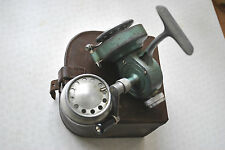 AN X RARE VINTAGE CASED RECORD 600 SPINNING REEL WITH SPARE SPOOL