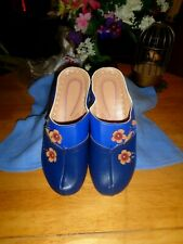 NEW,GORGEOUS BLUE SOFT LEATHER FLORAL SHOES-SIZE 5/5.5 NARROW/MEDIUM