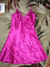 VICTORIA'S SECRET~magenta pink~LACE~SATINY~SHORT~NIGHT GOWN~small~SEXY~L@@K!!
