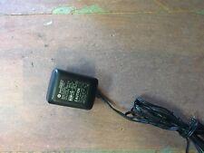 MOTOROLA SPN4992A PLM4992A AC CELL PHONE ADAPTER 5.9V 350mA