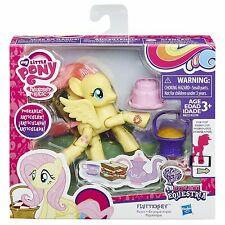 My Little Pony Explore Equestria FLUTTERSHY Picnic Poseable Pony (B8023) Hasbro