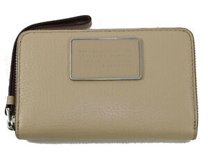 Marc Jacobs Ligero Wingman Wallet in Cameo Nude