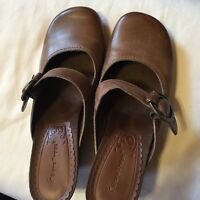 BARE TRAPS WOMENS SHOES SIZE 6 1/2 MED