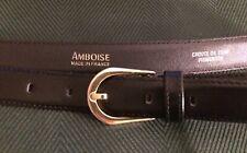 AMBROISE, diseñador francés, cinturón negro, leathet