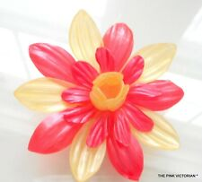 """MID CENTURY 1950s VINTAGE CORAL & YELLOW LIGHTWEIGHT CELLULOID FLOWER PIN, 3"""""""
