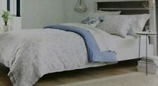 Threshold Reversible Jacquard KING Duvet Cover Set blue cream new .