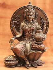 Lakshmi hindu. Götting d. Glücks, d. Liebe usw. bronzierte Figur, sitzt