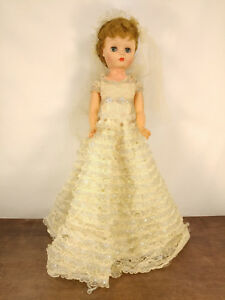 """VINTAGE 60s BEAUTIFUL 23"""" SLEEPY EYED DOLL IN GORGEOUS WEDDING GOWN"""