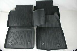 Originale Tappetini Frontale + Posteriore Gomma Ford Focus MK4 2281220+2281223