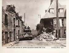 Original WWII US Army Photo M4 SHERMAN TANK Fighting In SEVER CALVADOS France 35