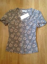STUNNING QVEEN GREY SILK FLORAL SHORT SLEEVE TOP UK SIZE 6 BNWT RRP £129