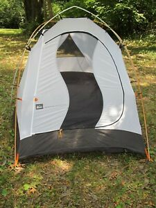 REI Tent Sub Alpine 2 person, Freestanding w/ Fly, Footprint, Poles, Stakes