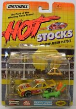MATCHBOX Hot Stocks, Race Car with Accessories, Yellow Racer, #3 Race Graphics