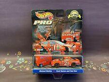 Michael Waltrip #21 Hot Wheels Pro Racing 1:64 NASCAR Diecast With Tool Box