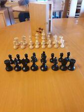 schachfiguren aus Holz wie neu