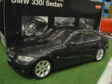 BMW  330i SEDAN VERT GREEN 1/18 de KYOSHO 08731G voiture miniature de collection