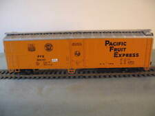 ATHEARN  HO SCALE PFE 50' REEFER. WITH KADEE WHEELS & COUPLERS, WEIGHTED, USED