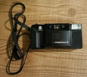 Vintage Minolta freedom 2 autofocusing Point and shoot film camera