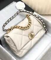 CHANEL 19 MEDIUM FLAP CC LOGO WHITE CLASSIC QUILTED BAG