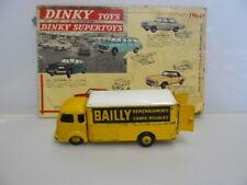 """DINKY TOYS  ANCIEN  CAMION SIMCA CARGO DEMENAGEUR """" BAILLY """"  référence 33 AN"""