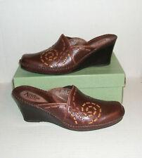 Clarks Artisan Women's Dark Brown Leather Wedge Dress Mules Clogs Slides Sz 10 M