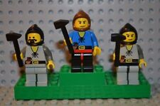 00435 LEGO Castle minifigs villagers blacksmiths Forest men