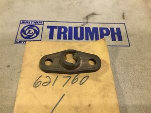 NOS Windscreen LH Catch Plate 621760. Early TR5 / TR250 —-14/1—-