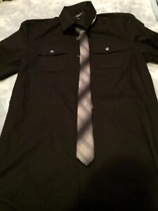 Attention Mens Short Sleeve Fashion Shirt and Necktie Size Small