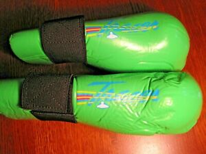Century Tracer Student Sparring Martial Arts Hand & Wrist Pads Green Size M/L