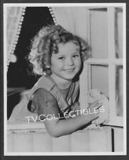 8x10 Photo~ child star SHIRLEY TEMPLE ~Rag Cleaning Windows ~Close-up