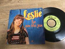 45 tours LESLIE Sur mon blue jean - Si tu viens chez moi 1974